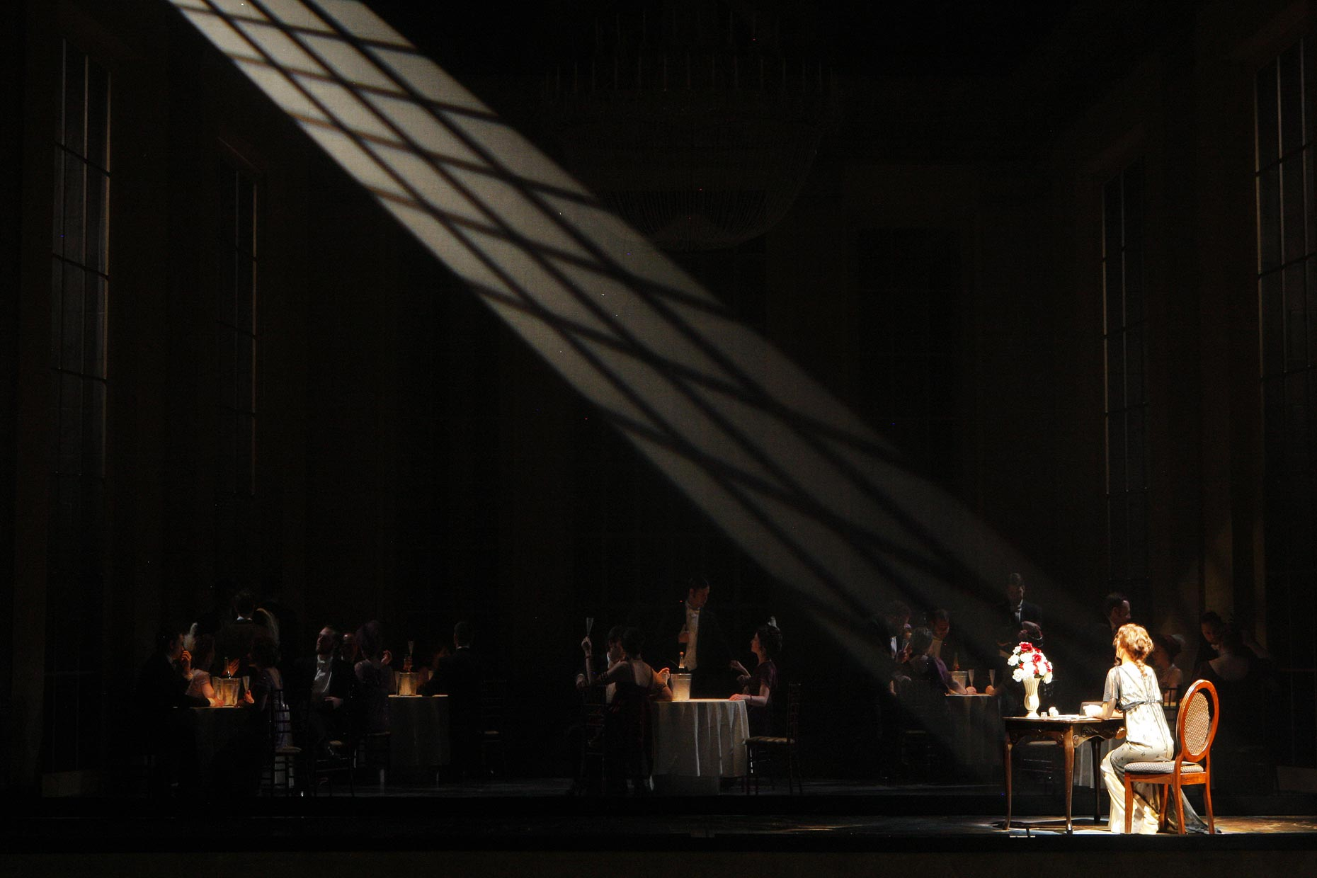 Josh epstein lighting design la traviata